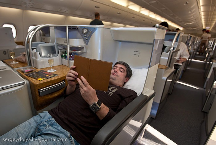 Business class on an emirates airbus a380 for Interieur 777