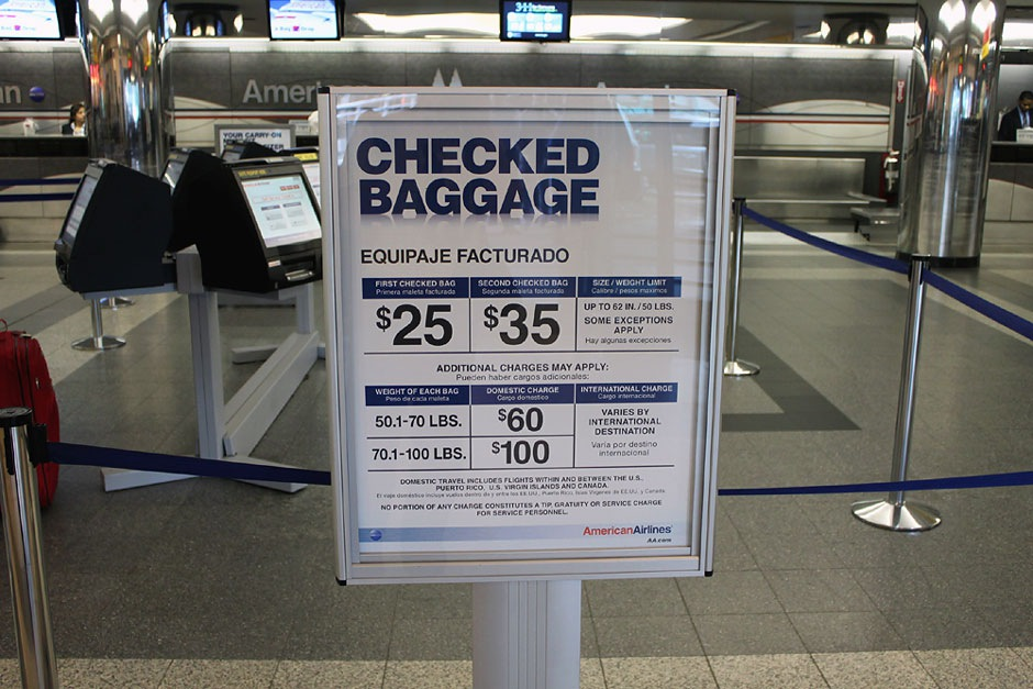 United Check In Luggage A Flight Within The Us New York