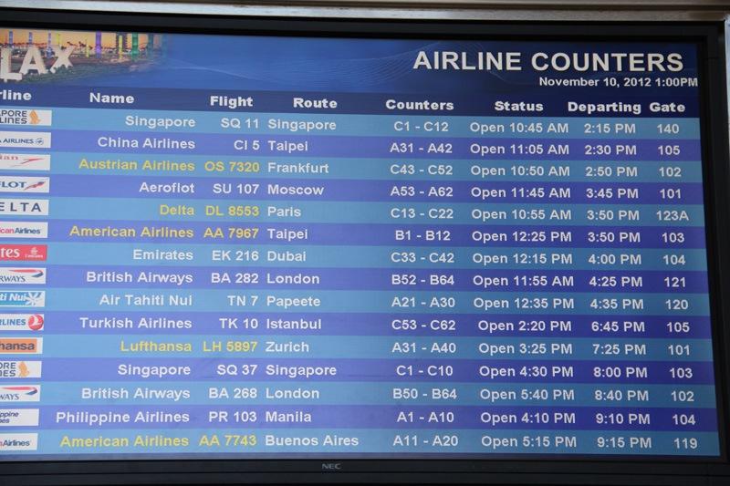 фото: лос-анджелес аэропорт табло прилета выполняет мастер высокой